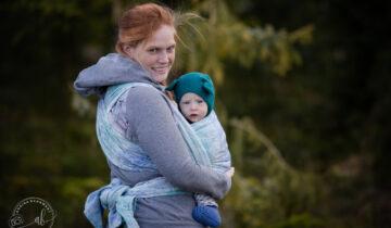 Ins Leben getragen: Die Vorteile wenn ein Baby getragen wird